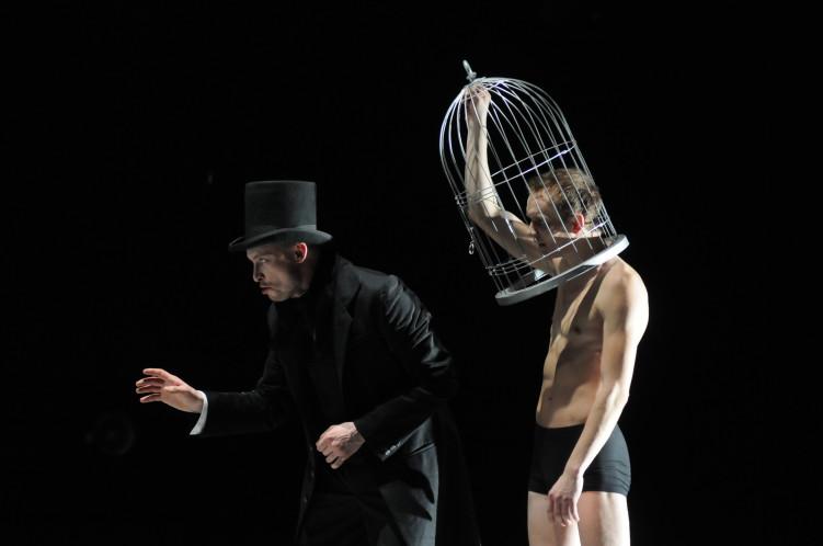 Сцена из спектакля «Пер Гюнт», театр «Старый дом»