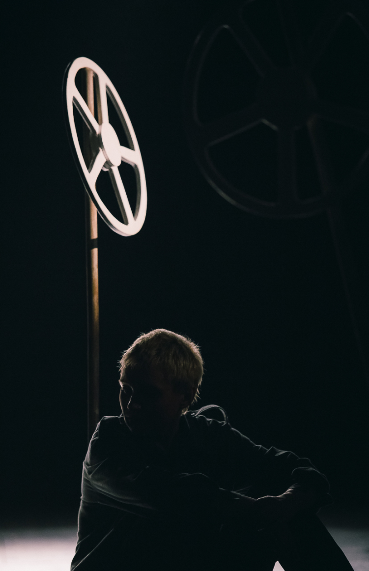 Сцена из спектакля «Летов». Театр «Старый дом».