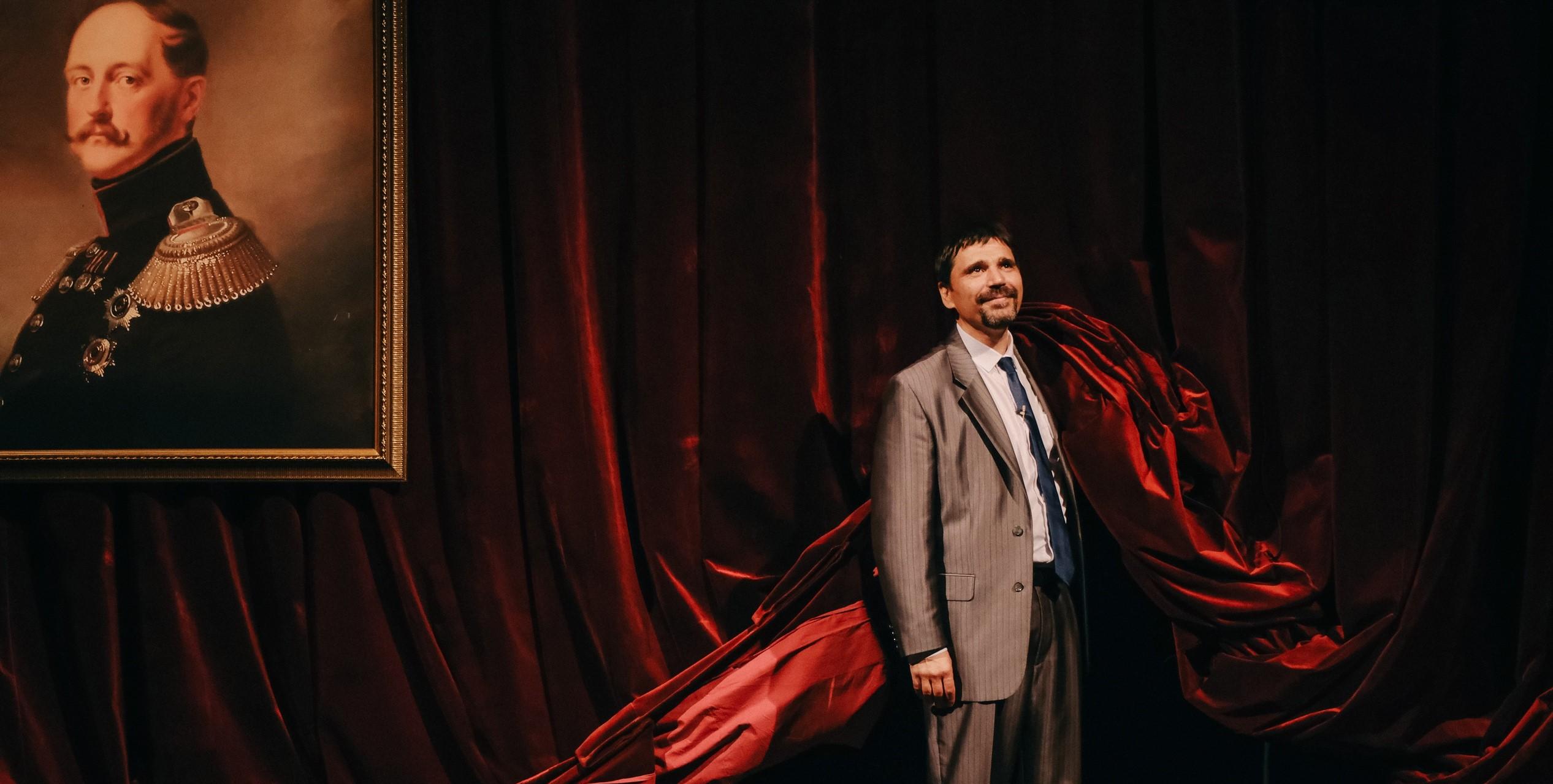 Спектакль «Дело» Дмитрия Егорова: про уродов и людей
